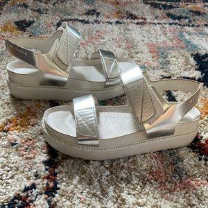 Vagabond Irene Silver Quarter Strap Leather Sandal